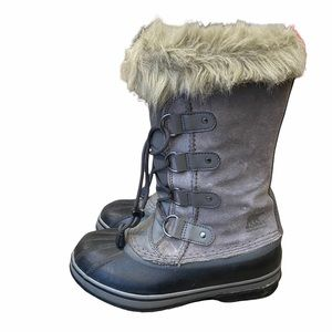 Big Kids sorel joan of arc boots size 5